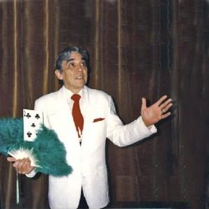 Tonny van Rhee, lid van de goochelclub, in de tijd dat hij Europees Kampioen goochelen was