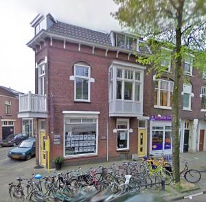 Geboortehuizen - Het hoekhuis waar Wim Sonneveld is geboren zoals het er nu uitziet op Google Maps